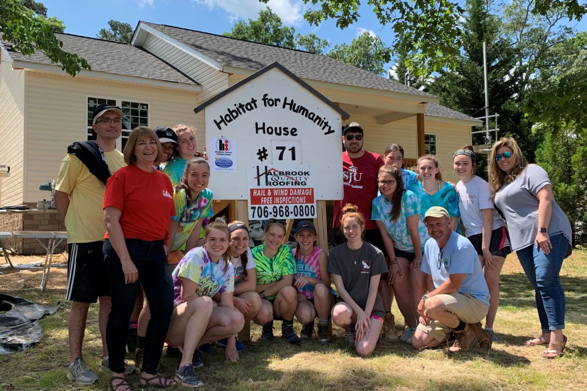 North Main Credit Union feeds Habitat for Humanity group from Pennsylvania