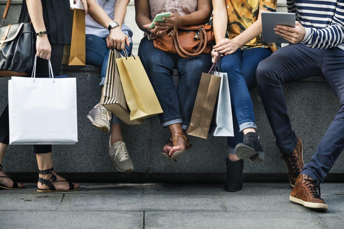 Reuters: U.S. consumer spending rose, again