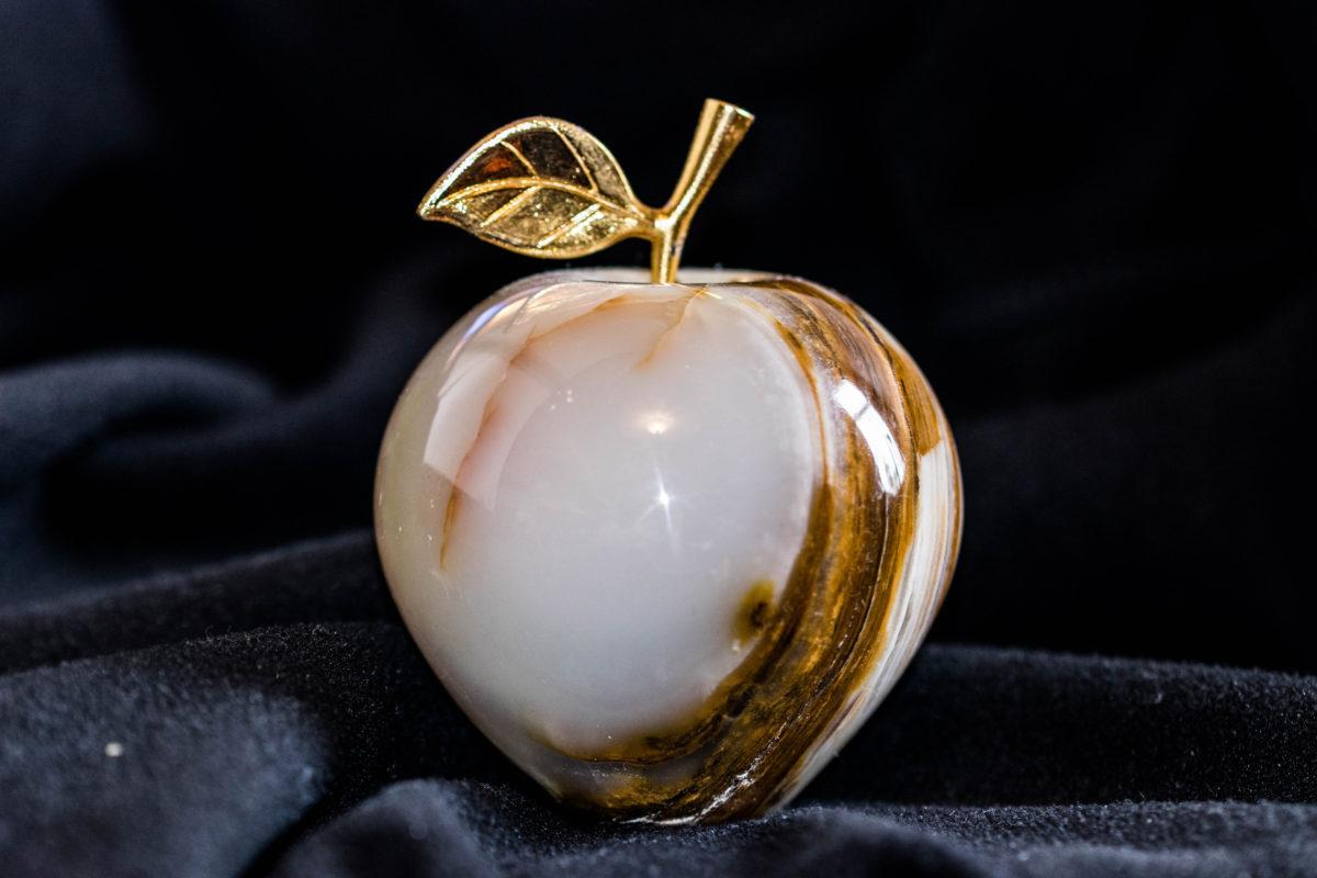 Kinetic awards Golden Apple to Reese Road Leadership Academy teacher