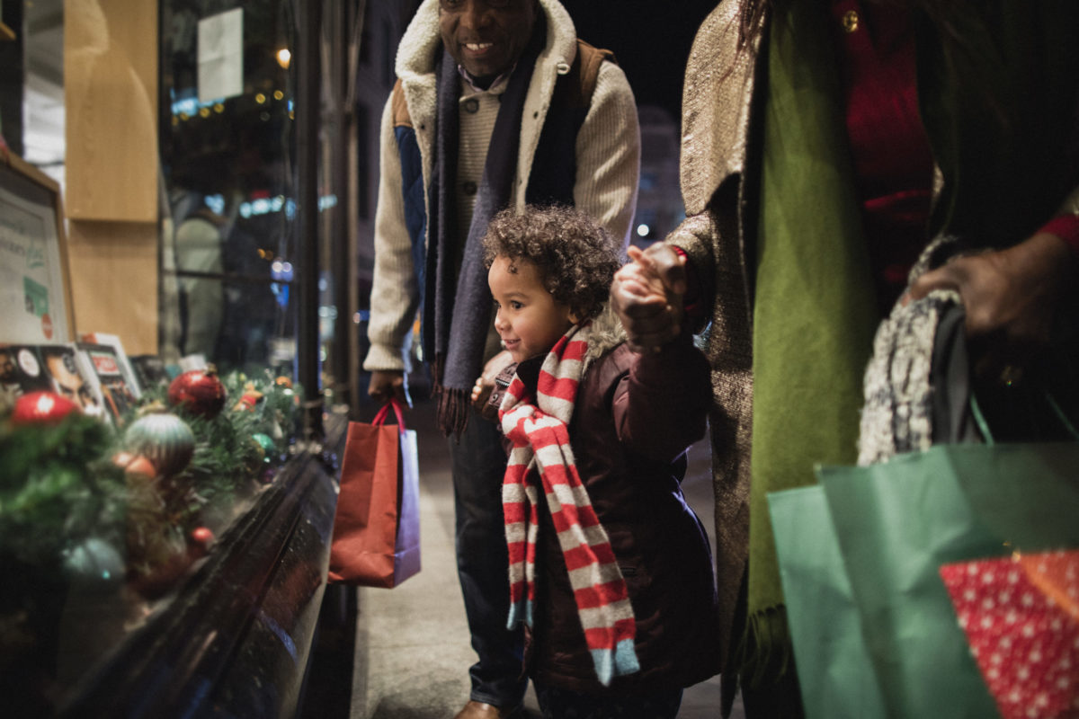 GTE Financial brightens holidays for local families