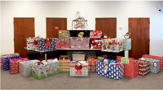 McCoy Federal's 'Give Christmas Cheer' outreach uplifts Central Florida Seniors